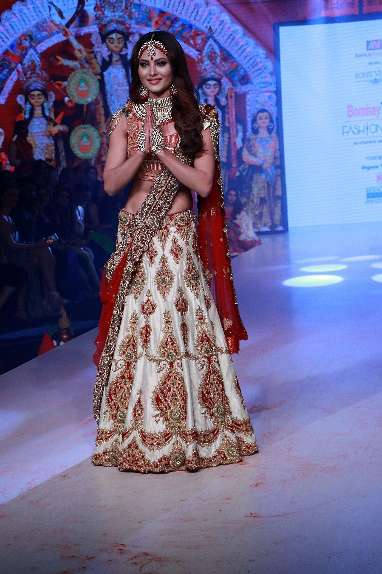 Photos: Urvashi Rautela Walks Ramp At Bombay Times Fashion Week 2020   Picture 1726604