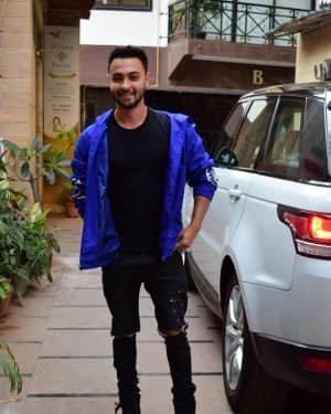Aayush Sharma - Photos: Celebs Spotted At Juhu