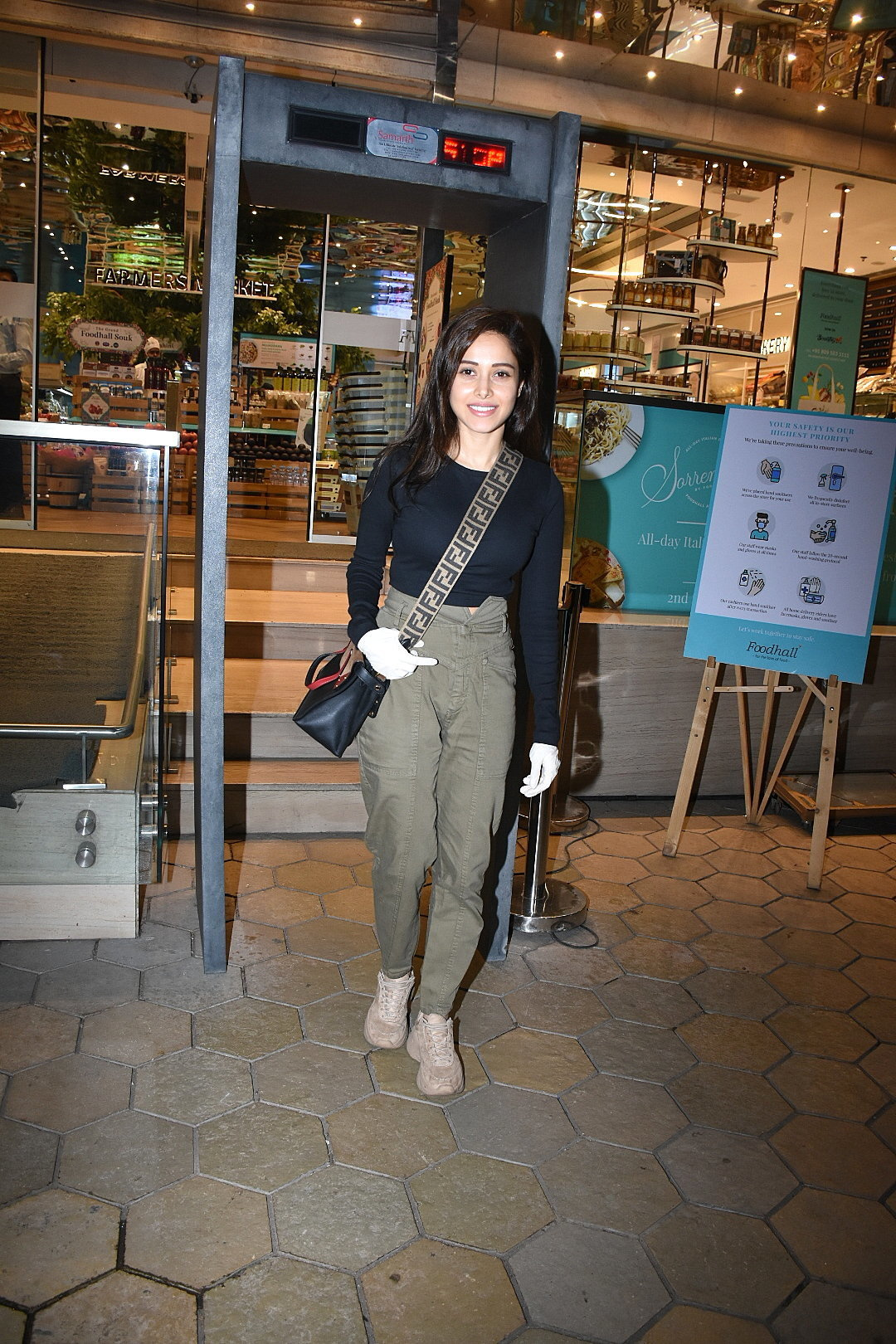 Photos: Nushrat Barucha Spotted At Food Hall   Picture 1726915