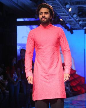 Jackky Bhagnani - Photos: Lakme Fashion Week Winter Festive 2019