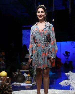 Kim Sharma - Photos: Lakme Fashion Week Winter Festive 2019 | Picture 1677525