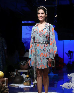 Kim Sharma - Photos: Lakme Fashion Week Winter Festive 2019 | Picture 1677523