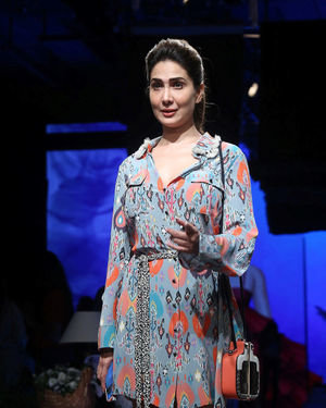 Kim Sharma - Photos: Lakme Fashion Week Winter Festive 2019