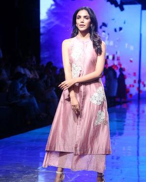Shriya Pilgaonkar - Photos: Lakme Fashion Week Winter Festive 2019 | Picture 1677542