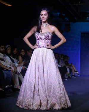 Shibani Dandekar - Photos: Lakme Fashion Week 2019 - Day 4