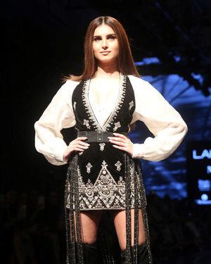 Tara Sutaria - Photos: Lakme Fashion Week Winter Festive 2019 - Day 3