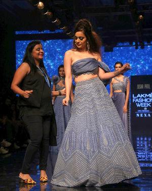 Kangana Ranaut - Photos: Lakme Fashion Week Winter Festive 2019   Picture 1678517
