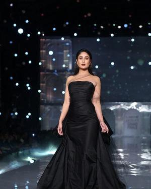 Kareena Kapoor - Photos: Lakme Fashion Week Winter Festive 2019 | Picture 1678856