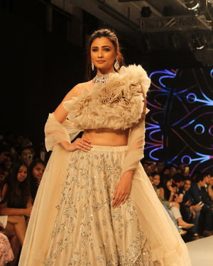 Daisy Shah - Photos: Bombay Times Fashion Week 2019 - Pallavi Ghosh Show