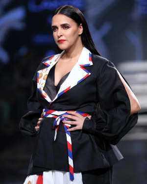 Neha Dhupia - Photos: INIFD Launchpad Show At LFW 2020 | Picture 1720073
