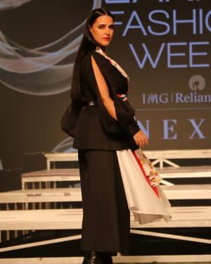 Neha Dhupia - Photos: INIFD Launchpad Show At LFW 2020 | Picture 1720065