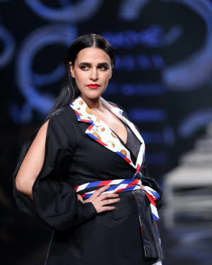 Neha Dhupia - Photos: INIFD Launchpad Show At LFW 2020 | Picture 1720076