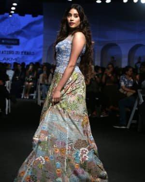 Janhvi Kapoor - Photos: Opening Show Of Lakme Fashion Week 2020 At Jio Garden | Picture 1720102