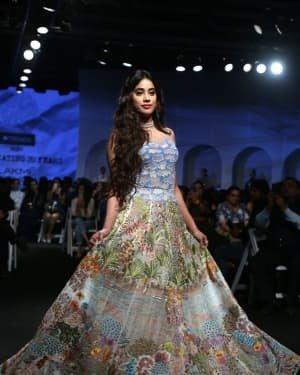 Janhvi Kapoor - Photos: Opening Show Of Lakme Fashion Week 2020 At Jio Garden | Picture 1720088