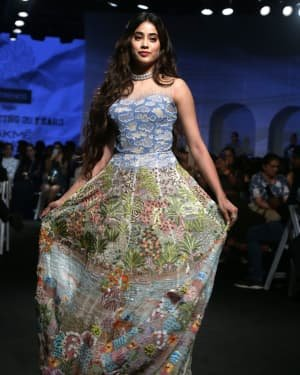 Janhvi Kapoor - Photos: Opening Show Of Lakme Fashion Week 2020 At Jio Garden | Picture 1720079