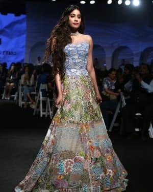 Janhvi Kapoor - Photos: Opening Show Of Lakme Fashion Week 2020 At Jio Garden | Picture 1720082