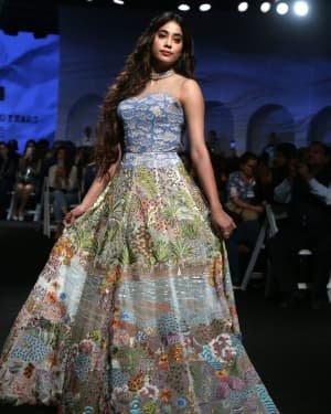 Janhvi Kapoor - Photos: Opening Show Of Lakme Fashion Week 2020 At Jio Garden | Picture 1720091