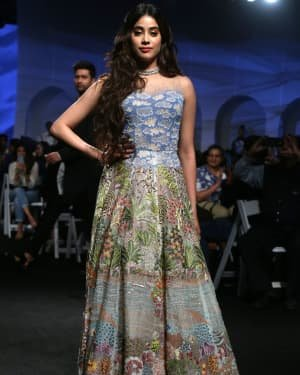 Janhvi Kapoor - Photos: Opening Show Of Lakme Fashion Week 2020 At Jio Garden | Picture 1720103