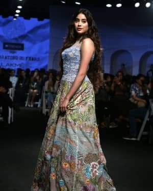 Janhvi Kapoor - Photos: Opening Show Of Lakme Fashion Week 2020 At Jio Garden | Picture 1720083