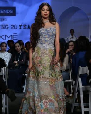 Janhvi Kapoor - Photos: Opening Show Of Lakme Fashion Week 2020 At Jio Garden | Picture 1720093