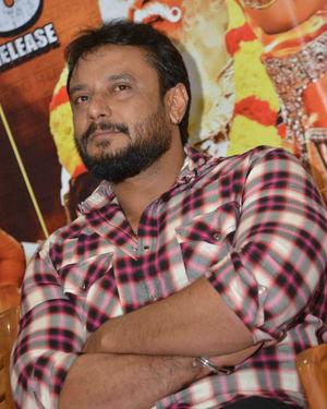 Darshan Thoogudeepa - Kurukshetra Kannada Film Press Meet Photos   Picture 1672474