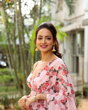 Shanvi Srivastava - Athade Srimannarayana Movie Press Meet Photos | Picture 1709181