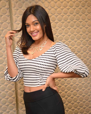 Sarah Harish - Bharath Bahubali Kannada Film Press Meet Photos | Picture 1714147