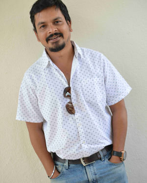 Deepak Madhuvanahalli - Raju James Bond Kannada Film Press Meet Photos | Picture 1714105