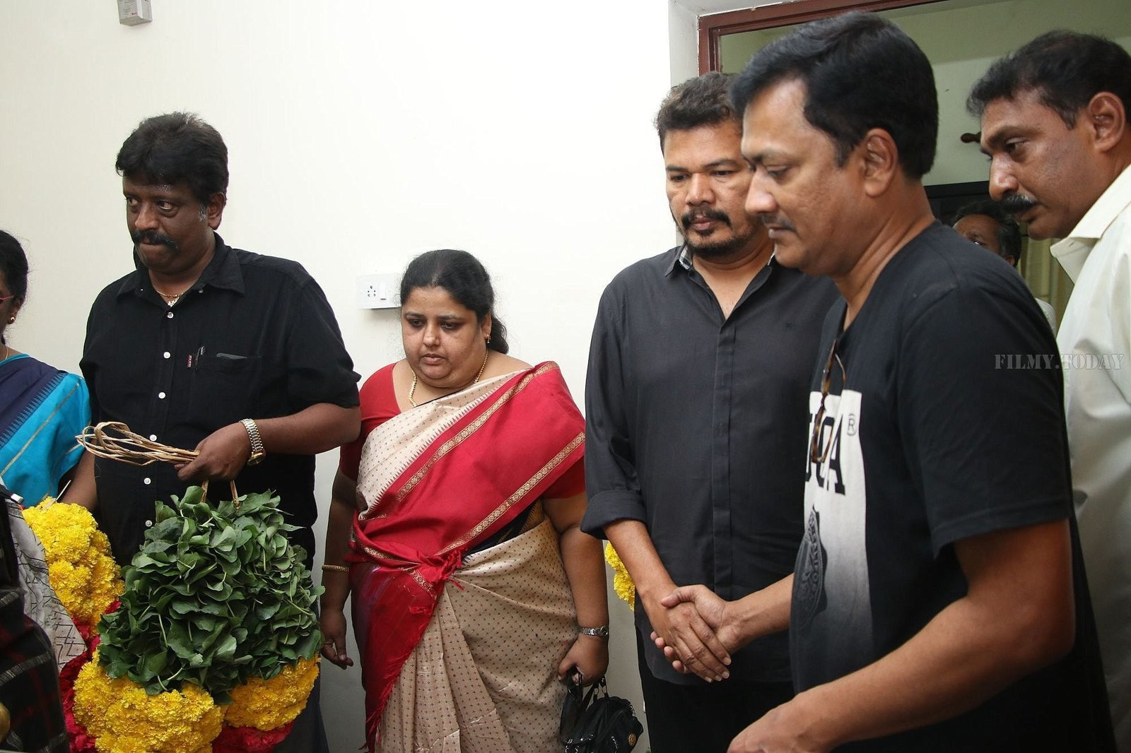 Photos: Celebs Pays Last Respect To Director Mahendran | Picture 1640805