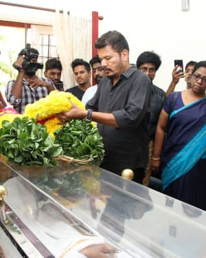 Photos: Celebs Pays Last Respect To Director Mahendran | Picture 1640803