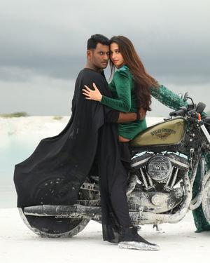 Action Tamil Movie Stills | Picture 1697891