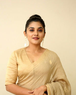 Nivetha Thomas - Darbar Movie Pre Release Event At Hyderabad Photos | Picture 1712268