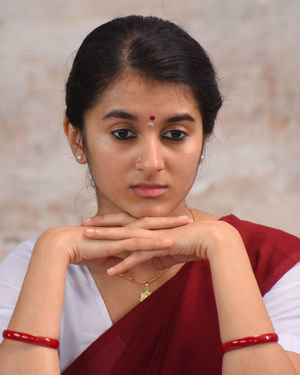 Sanjana Sarathy - Ninaivo Oru Paravai Movie Stills | Picture 1712195