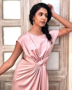 Himika Bose Latest Photos | Picture 1734624