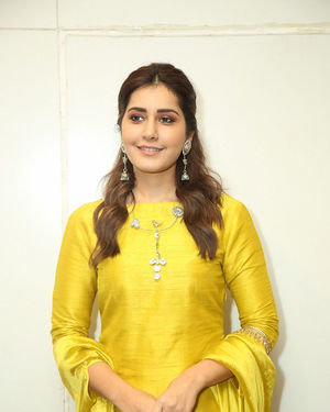 Raashi Khanna - Kousalya Krishnamurthy Movie Pre Release Event Photos | Picture 1676889