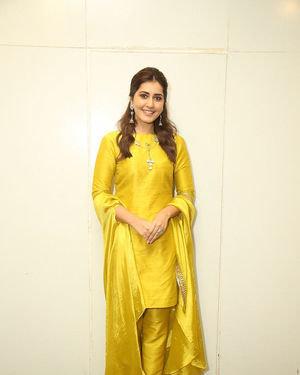 Raashi Khanna - Kousalya Krishnamurthy Movie Pre Release Event Photos | Picture 1676887