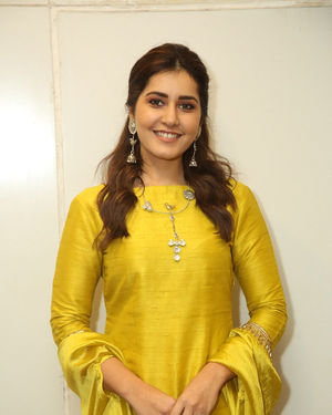 Raashi Khanna - Kousalya Krishnamurthy Movie Pre Release Event Photos | Picture 1676905