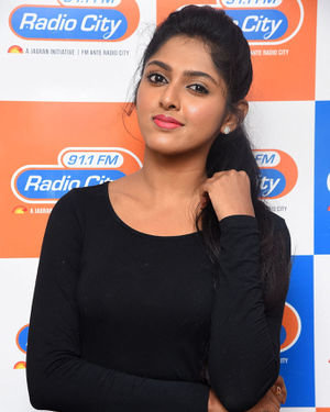 Charishma Shreekar - Neethone Hai Hai Movie Team At Radio City Photos | Picture 1677167