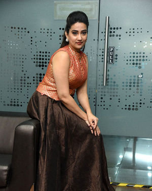 Manjusha - 2 Hours Love Movie Pre Release Event Photos | Picture 1679797