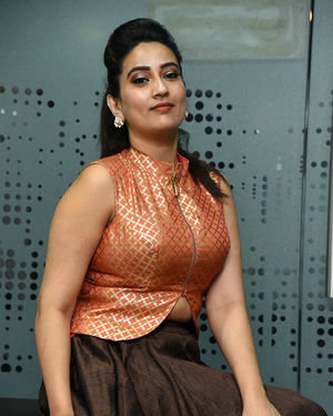 Manjusha - 2 Hours Love Movie Pre Release Event Photos | Picture 1679801
