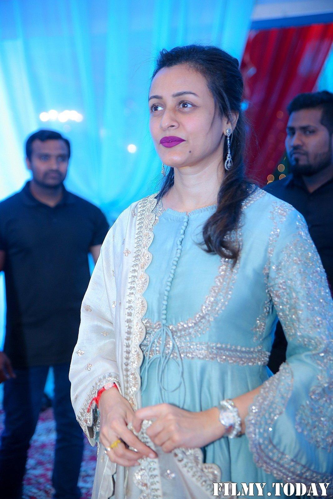 Namrata Shirodkar - Celebs At Wedding Reception Of Syed Javed Ali And Sadiya Waheed Photos | Picture 1705928