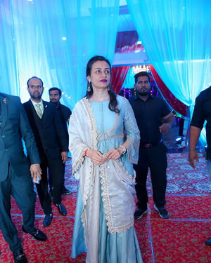 Namrata Shirodkar - Celebs At Wedding Reception Of Syed Javed Ali And Sadiya Waheed Photos | Picture 1705927