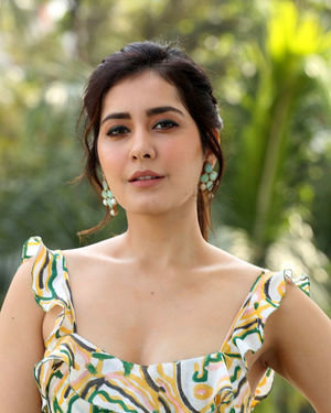 Rashi Khanna At Prati Roju Pandage Movie  Interview