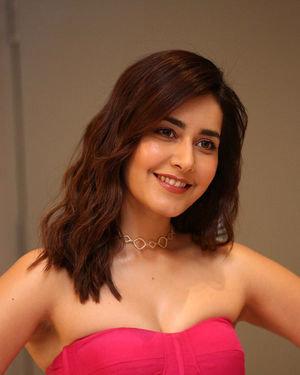Raashi Khanna - Prathi Roju Pandage Movie Pre Release Event Photos | Picture 1707914