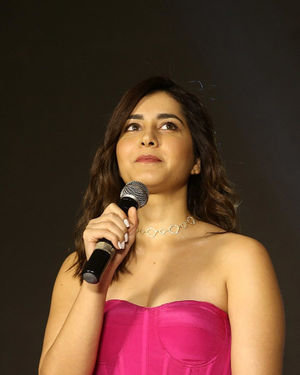Raashi Khanna - Prathi Roju Pandage Movie Pre Release Event Photos | Picture 1707966