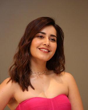 Raashi Khanna - Prathi Roju Pandage Movie Pre Release Event Photos | Picture 1707912
