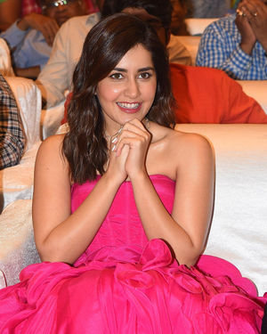 Raashi Khanna - Prathi Roju Pandage Movie Pre Release Event Photos | Picture 1708137