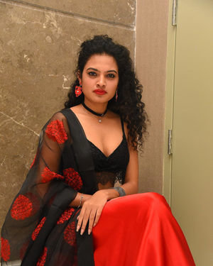 Riya (Taagithe Tandaana) - Prathi Roju Pandage Movie Pre Release Event Photos | Picture 1708064
