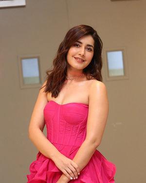 Raashi Khanna - Prathi Roju Pandage Movie Pre Release Event Photos | Picture 1707919