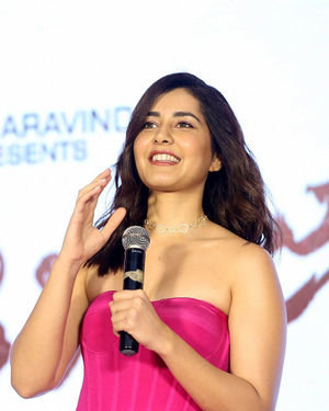 Raashi Khanna - Prathi Roju Pandage Movie Pre Release Event Photos | Picture 1707965